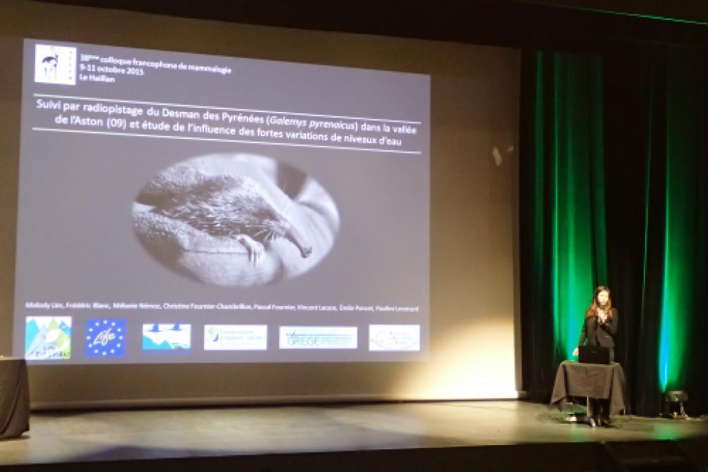 Melody Lim lors de sa présentation au colloque SFEPM © Emile Poncet
